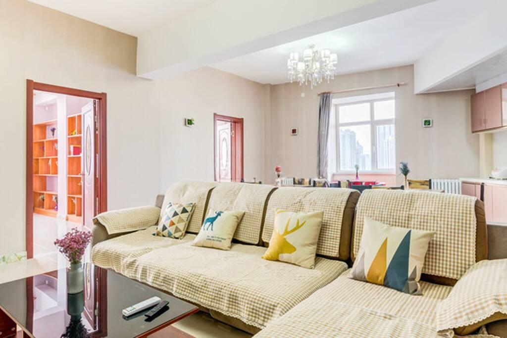 超大超暖超明亮的客厅