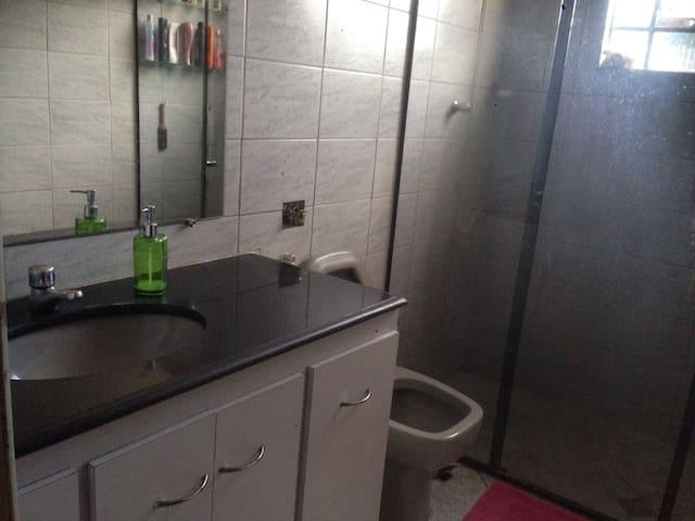Banheiro andar inferior