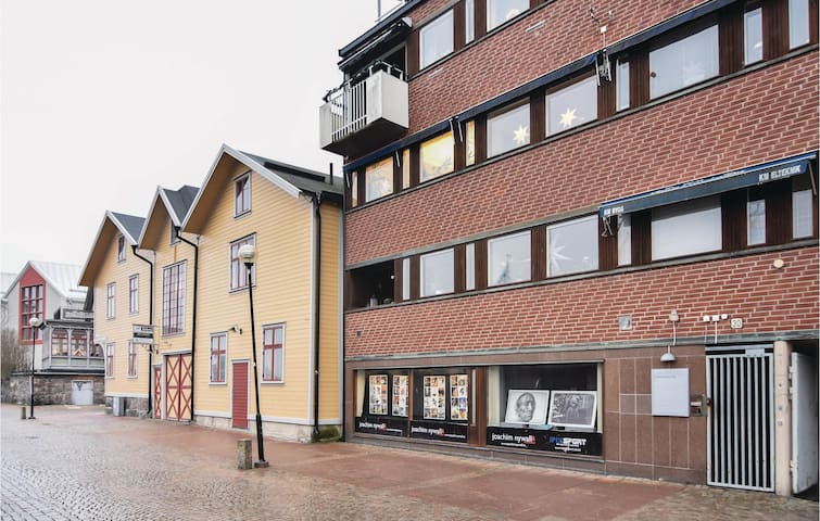 Holiday apartment with 2 bedrooms on 78m² in Trollhättan