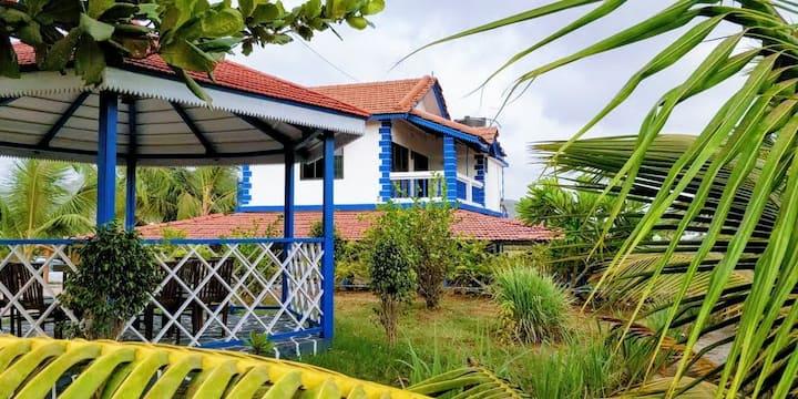 Aqua Arina Holiday Farm House