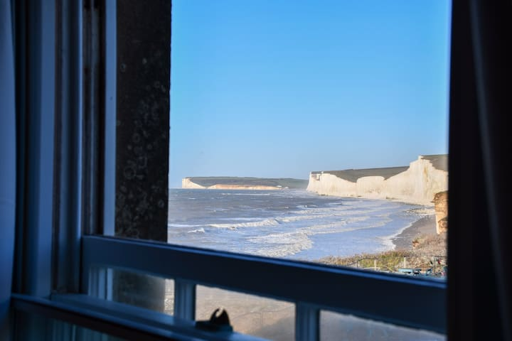 Amazing Clifftop Room with Spectacular Views