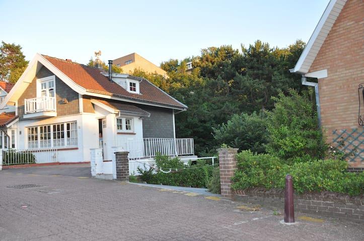 """""""Pietje's huis"""" - De Panne - Hus"""