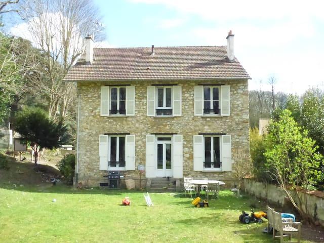 maison familiale aux portes de Paris - Taverny - House