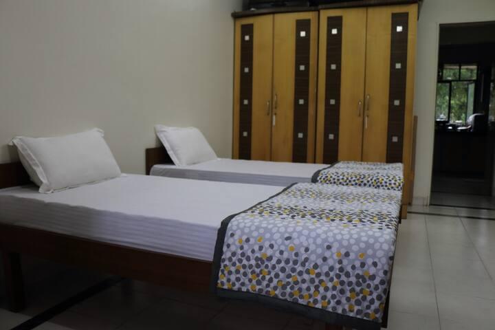 Shared room for women in andheri w - Mumbai - Apartamento