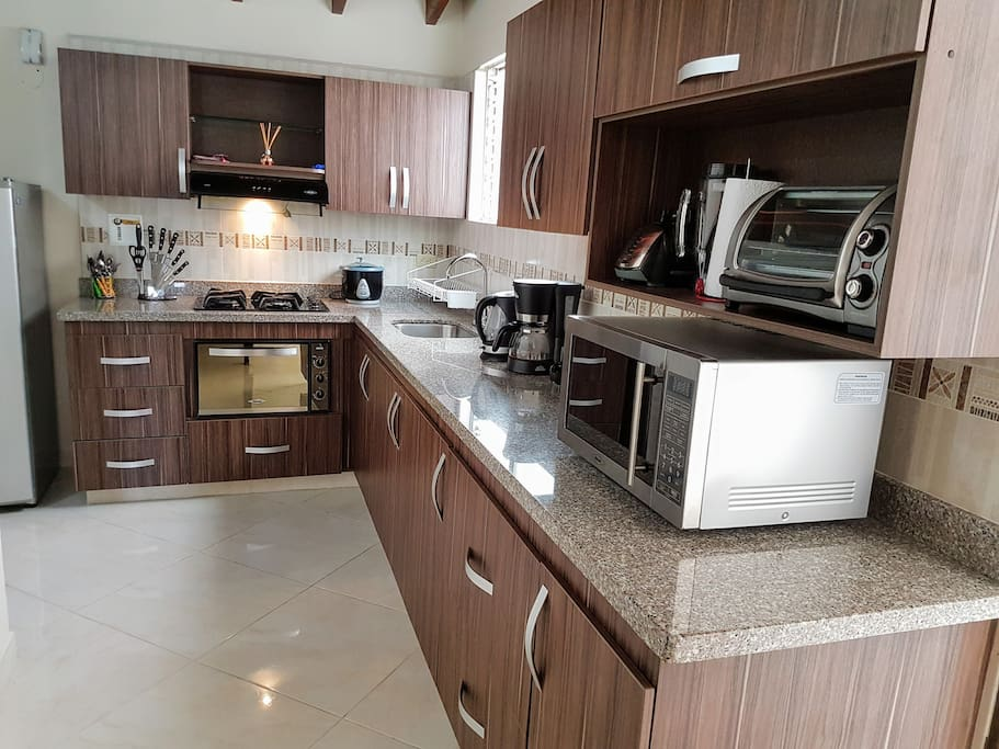 Big, fully equipped kitchen