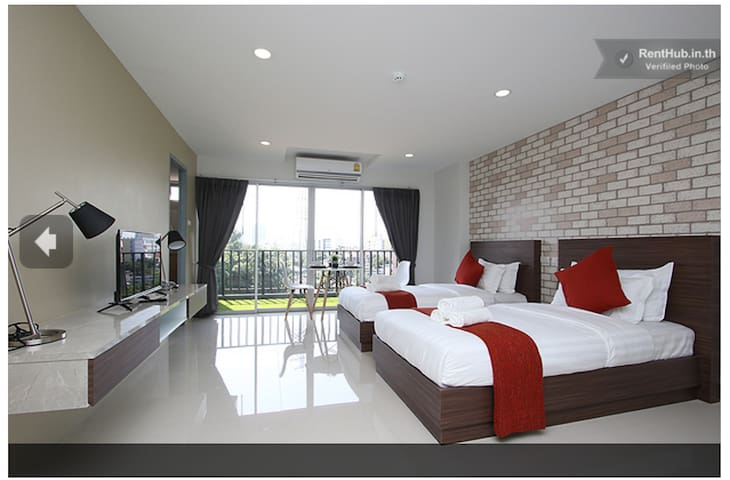 #603 NEW! Executive suites for 4 private balcony - 방콕 - 아파트(콘도미니엄)