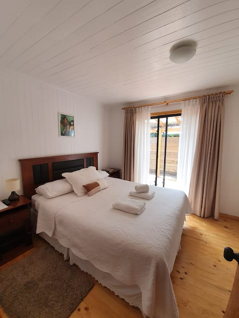 Cosy room close to Lake Lanalhue - breakfast incl