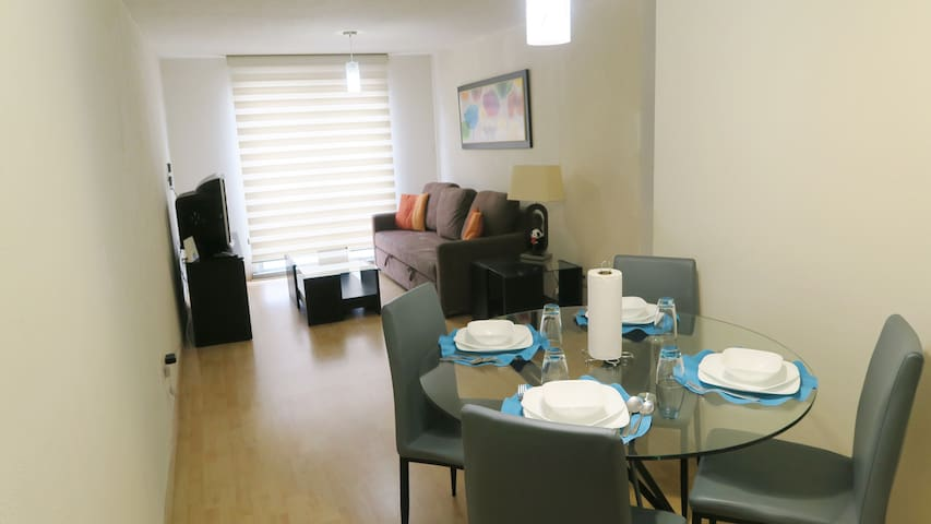 Optimally located close to Reforma