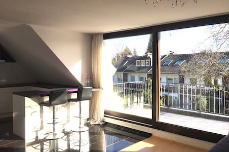 Stylish Modern Suite 70 m² Fair, Airport, ISS Dome