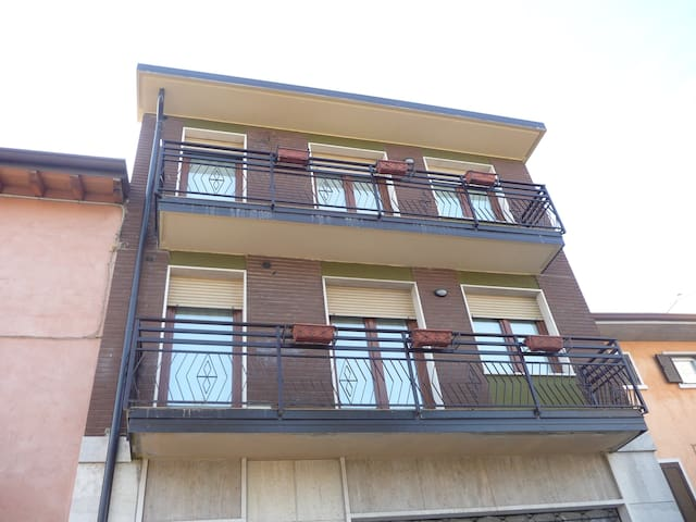 Appartamento Parchi del Garda - Sandrà - 公寓