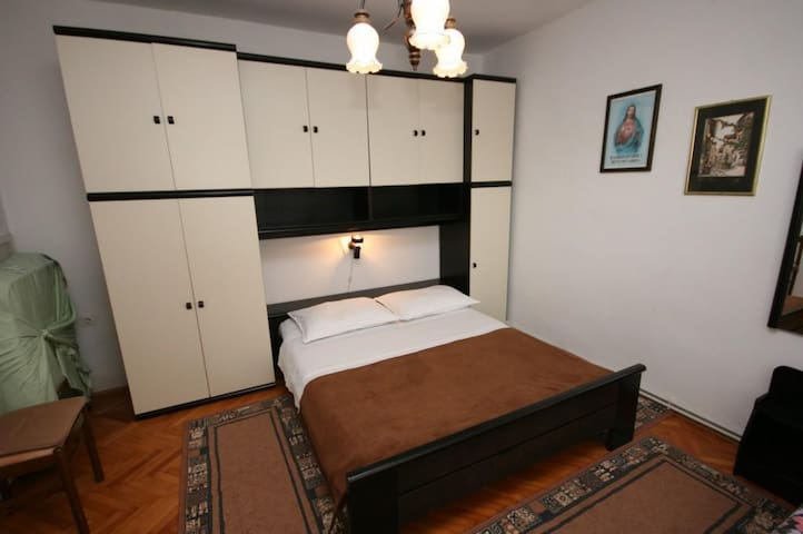 One bedroom apartment with terrace Povljana, Pag (A-226-b)