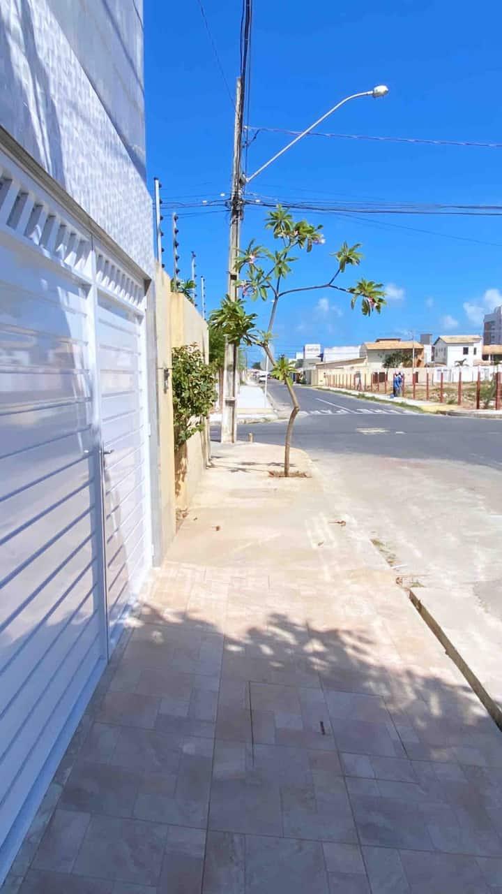 Casa à 300 metros da Praia/Orla. Excelente local.