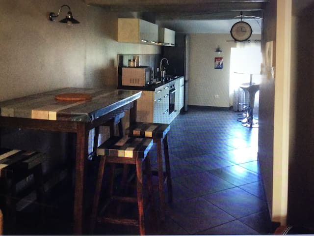 Appartement - Malemort-du-Comtat - Apartment