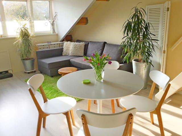 Privé verdieping met eigen entree.