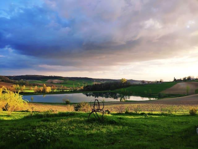 Gîte Quercy blanc vue magnifique -Balades à cheval