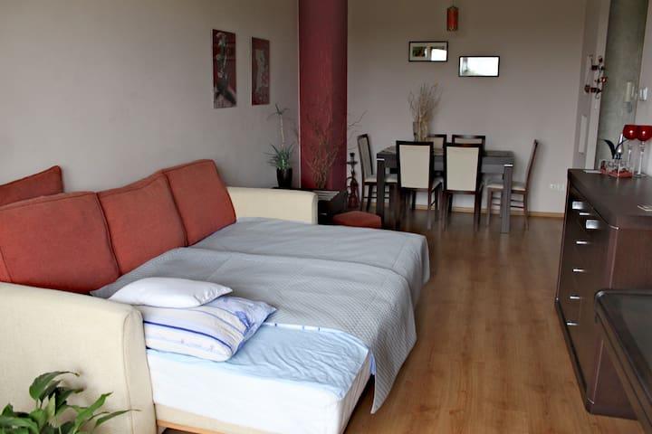 Quiet room near Old Town - Metro Trocka (B&B)