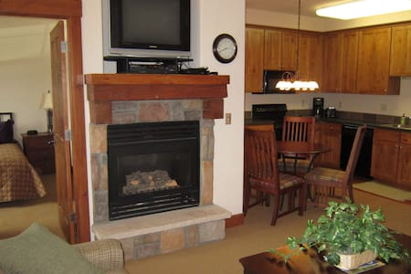 Cozy Ski-In/Ski-Out Condo - Granby Ranch - Granby