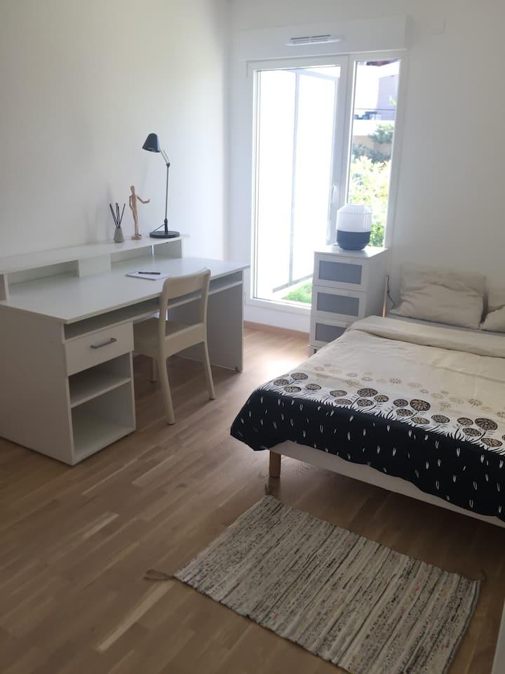 Chambre avec SdE+ WC privés (proche Genève)