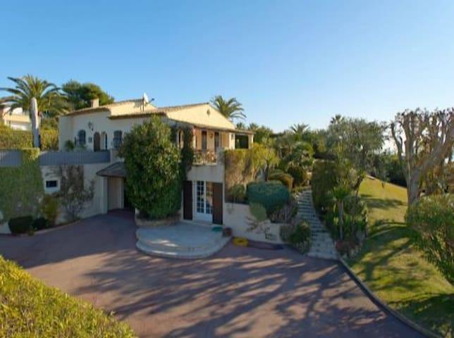 Villa à Super Cannes-15min du Palais des Festivals