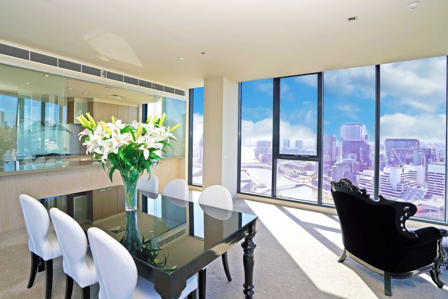 Top floor Views over Yarra and CBD