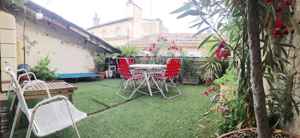 Appartement 50m2 avec terrasse quartier St Michel