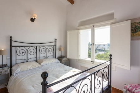 Double en-suite room with and terrace, great views - Caimari