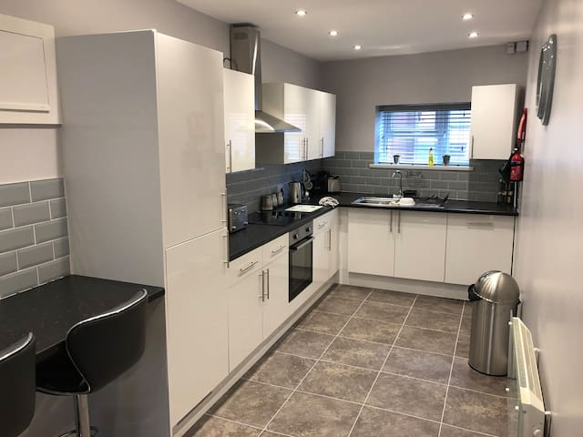 1 bedroom bedsits in shared house/HMO