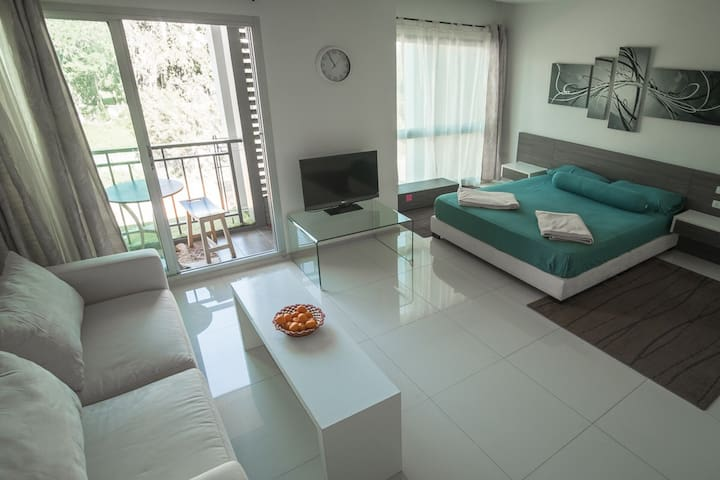 Cozy studio with swimming pool - Pattaya - Apartament