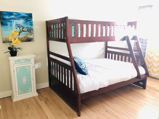 Park City bedroom with bunk bed