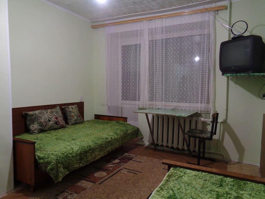 Комната (вид от двери)