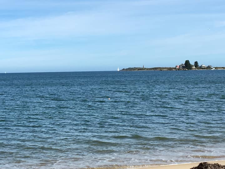 Sea Esta....just 5 minutes to the beach!