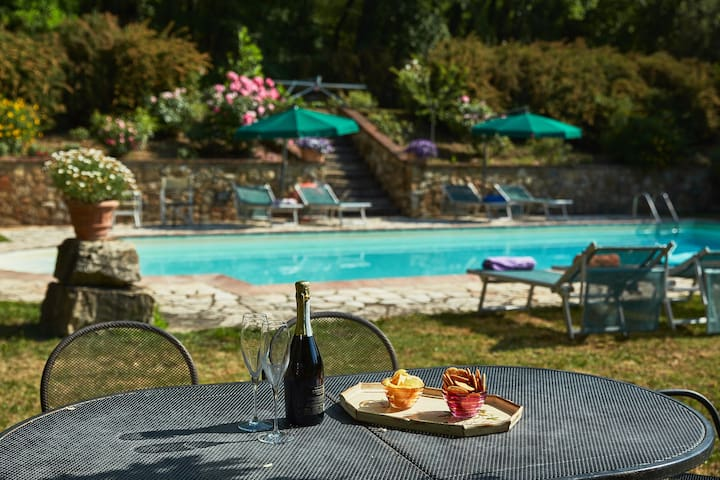Chianti studio for up to 4 people w/ swimming pool