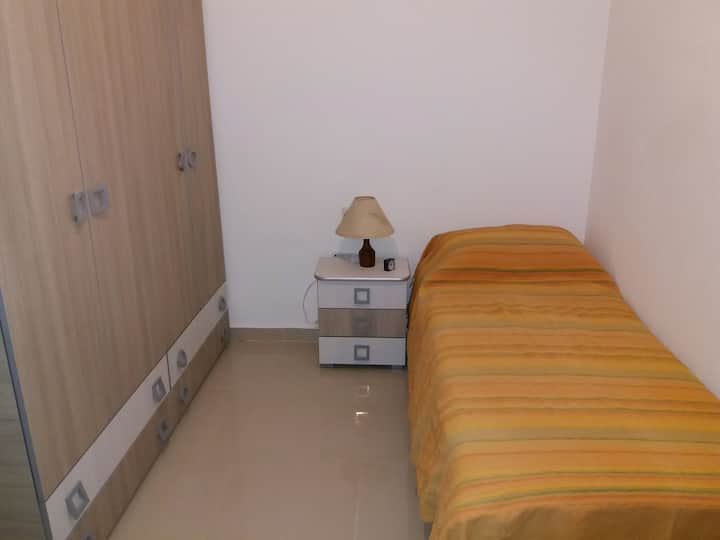 Spacious bright apartment, close to all amenities.