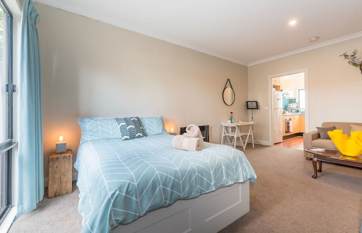 Studio on High - Ashburton - Apartment