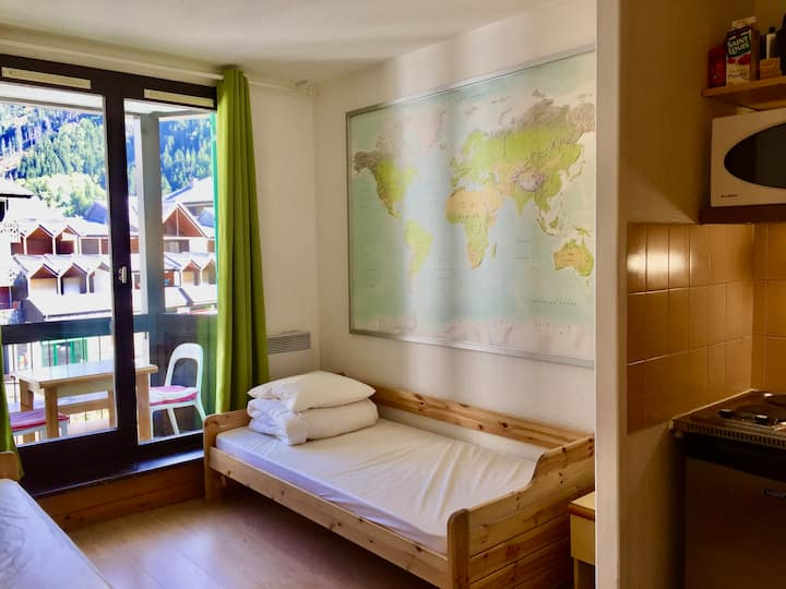 Balme Studio with Wi-Fi, balcony & parking