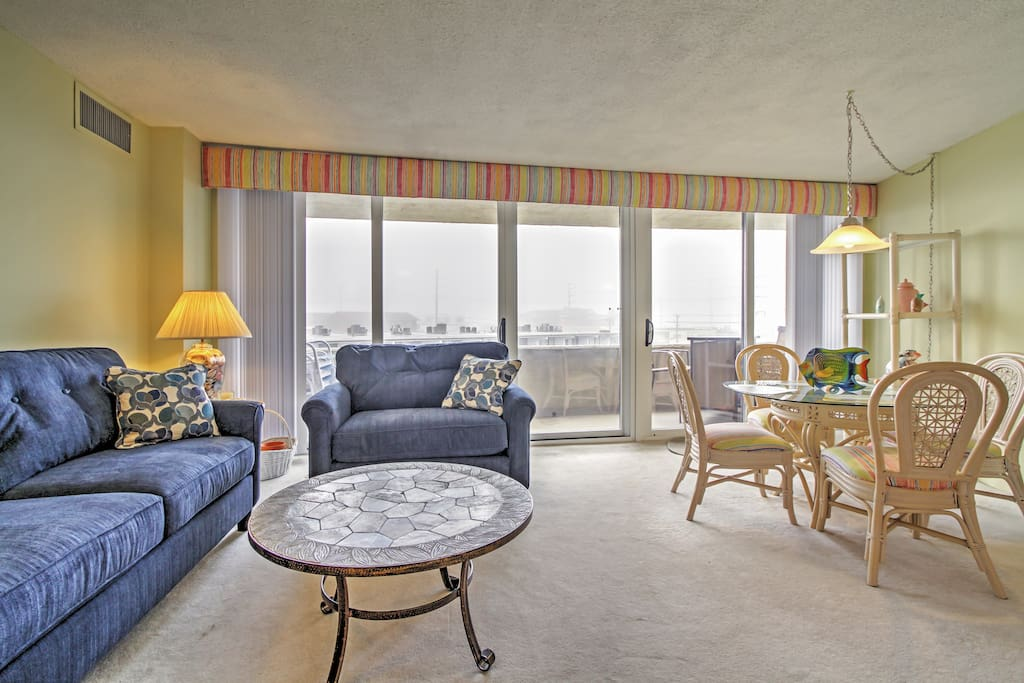 This 2-bedroom, 2-bathroom condo in Ocean City is great for 6 guests.