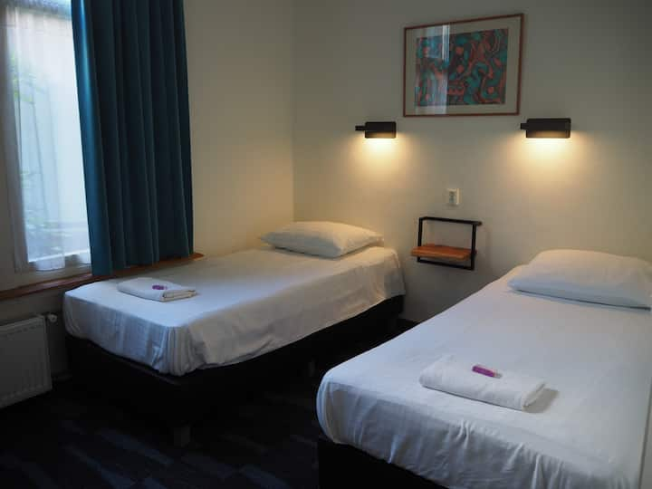 Private Twin Room, Euphemia Hotel , city centre