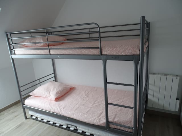 Chambre 2 avec 3 couchages