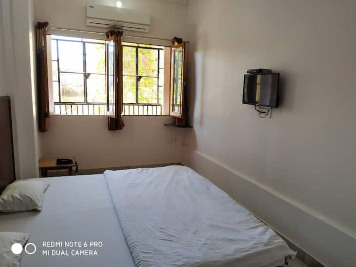 Boby Home Stay-Triple Deluxe Room-Kishan Pole Bazar, Inside Ajmeri Gate, Jaipur, Rajasthan