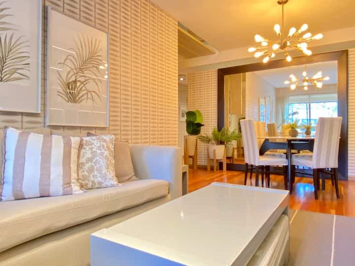 Chic 2BR home at Premium building w/24hs security