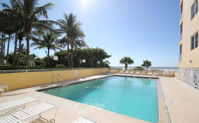 Vacation Villas #534 - Beach Front - Fort Myers Beach - Condominio