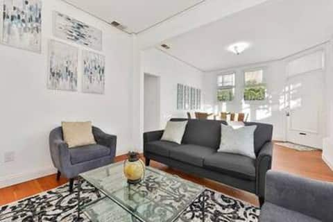 Sunny and Spacious Furnished Corporate Rental