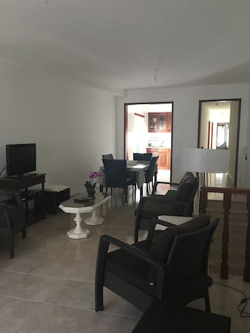 Appartement avec garage - Valado dos Frades - Daire