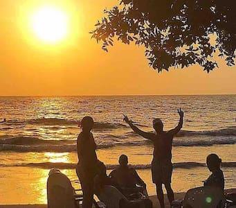 Disfruta días inolvidables en Villa López beach!