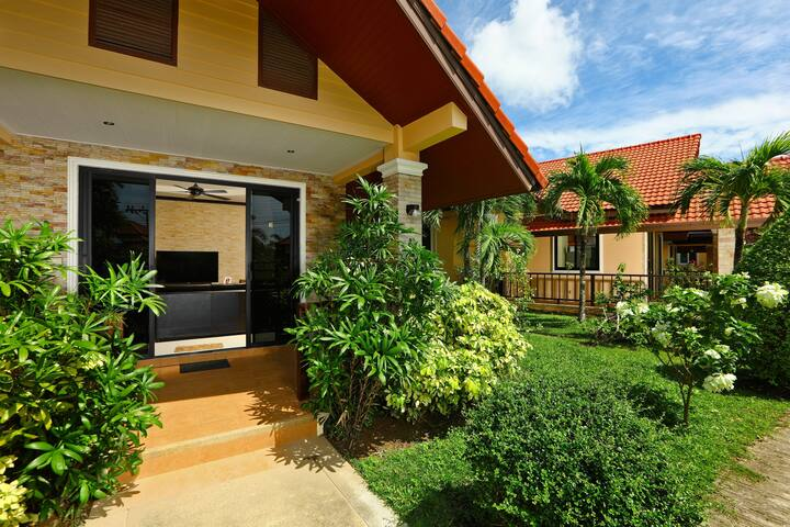 Villa with Pool and 2 bedrooms, Kamala, Phuket