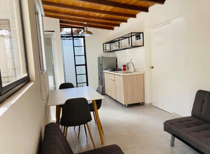 73. Apartamento en zona rosa de Laureles.