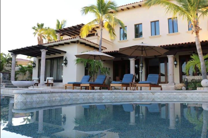 """Luxury Villa """"Casa Caleta"""" at Palmilla Beach"""