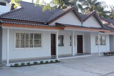 2-Bedroom Bungalow Newly built - Sihanouk Ville City - บังกะโล
