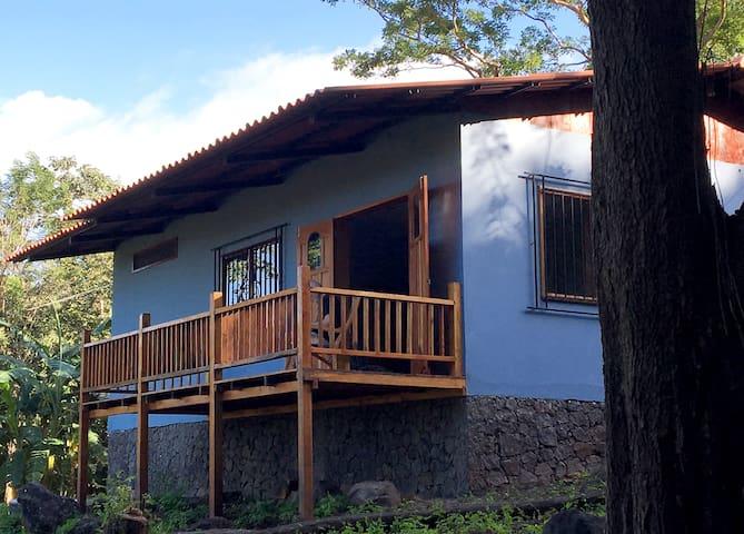 Casa Mono Congo whole house rental: B&B - Balgüe - Maison