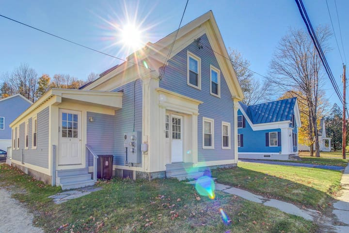 Convenient, cozy condo one block from Main Street - minutes to skiing!